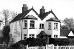 N4-0175_Oak_Cottage_26_Ashfield_Lane_Chislehurst_1984
