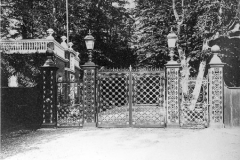 M4_0074_Camden_Place_Lodge_gates_undated
