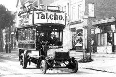 M4-0060_First_Omnibus_in_Chislehurst_1912
