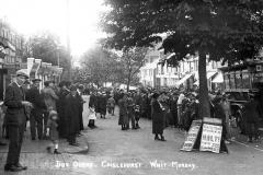 M4-0062_Bus_Queue_Whit_Monday_1919