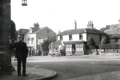 N4_0002_Royal_Parade_Chislehurst_Junction_with_church_lane__1952