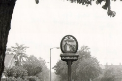 N4_0076_ChislehurstVillageSign_VilllageGreen1976