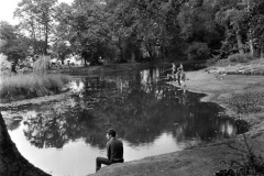 N4_0018_Fishing_in_Rush_Pond_Chislehurst_August_1972