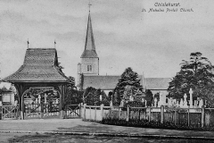 St_Nicholas_Church_from_south_and_Lychgate