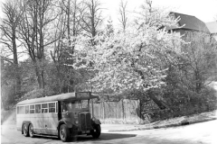 M5_0010_Bus_on_summer_Hill_19_April_1949