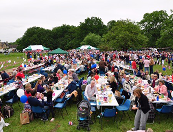 Jubilee Picnic 2012 - Photo by Peter Edwards